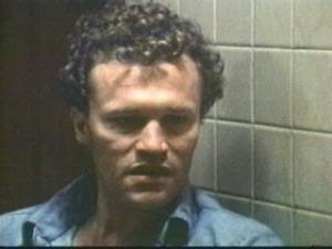 Michael Rooker (Henry) looks like a cross between Heath Ledger and Lyle Lovett. Squint a little and you can totally see it.